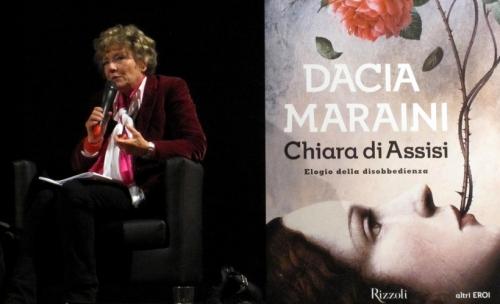 Dacia-Maraini-presenta-a-Roma-il-suo-ultimo-libro-su-Chiara-D'Assisi